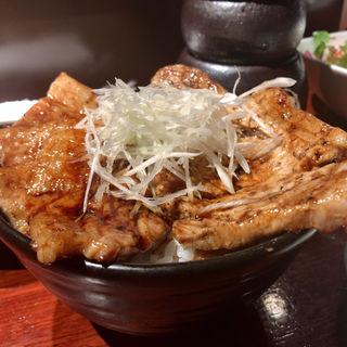 豚丼(豚っく (ぶたっく BUTA-CK))