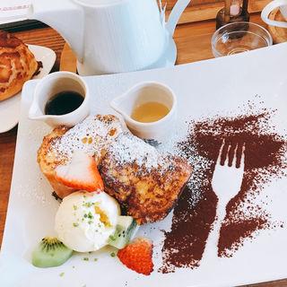 フレンチトースト(パン屋カフェ キャトル)