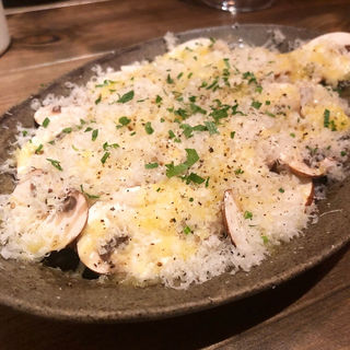 マッシュルームとパルミジャーノのサラダ(三本木商店)