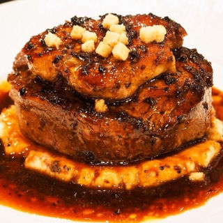 牛フィレ肉とフォアグラのロッシーニ(俺のフレンチ イタリアン)