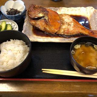 本日の煮魚焼魚メニュー(鯛の焼魚)(食事処 池田 )