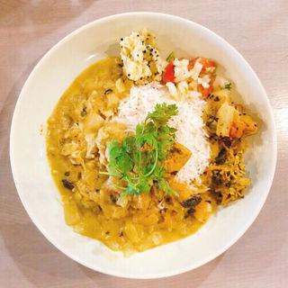 スリランカ風ココナッツチキンカレー(TRUNK CAFE (トランク カフェ))