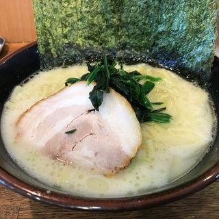 とんこつラーメン塩(横浜家系 九ツ家 )