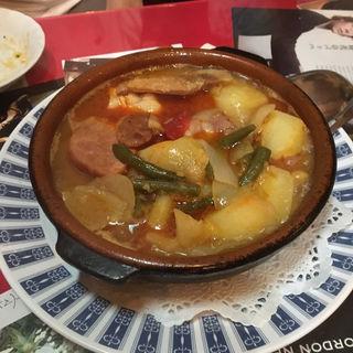 肉と野菜の煮込みスープ(カサ・ベリヤ (CASA BELLA))