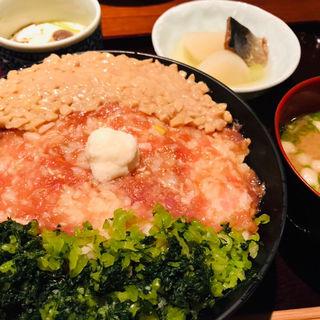 三彩丼膳(膳三 (ゼンゾウ))