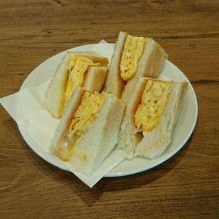 だし巻き玉子のサンドイッチ(アマゾン )