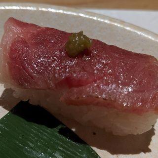 但馬牛の霜降り炙り肉寿司(おもき 離れ 銀座店)