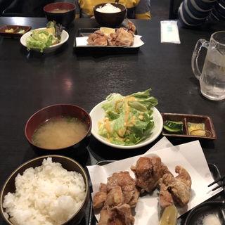唐揚げ定食(焼鳥 鳥陣 ~なごみ~ (【旧店名】本格炭火焼鳥 和 本店))