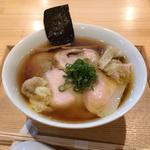 ワンタン入り醤油チャーシュー麺