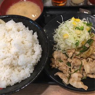 生姜焼き定食(伝説のすた丼屋 品川店 (デンセツノスタドンヤ))