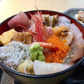 海鮮丼(鮟鱇篠げん (アンコウシノゲン))