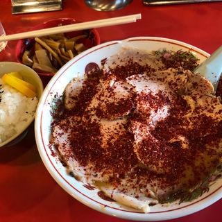 赤ラーメンでチャーシューメン&メンマと小ライス(天下一品五条桂店 (てんかいっぴん))