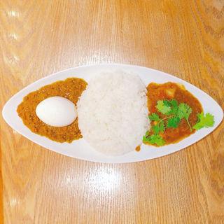 ハーフ&ハーフ(伝説のポーク、インド風キーマカレー)(ワ カフェ エイム (WA CAFE AIM))