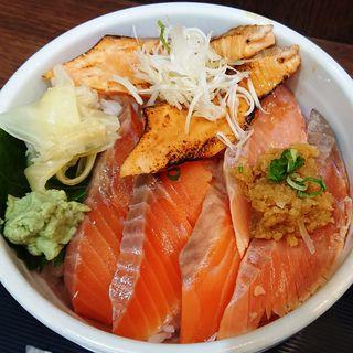 サーモンづくし丼(二代目ぐるめ亭 ラゾーナ川崎店)