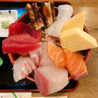 海鮮丼(ネギトロ入り)(ふさ鮨 (ふさずし))