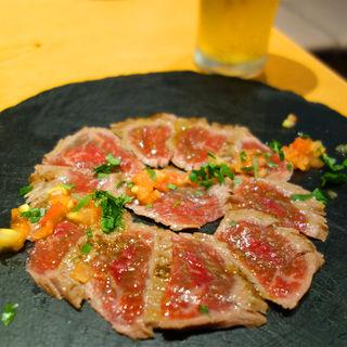 あか牛のたたき 柚子白醤油ソース(あか牛Dining yoka-yoka KITTE博多店)