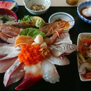 特盛海鮮丼(漁師直営いけす立石)