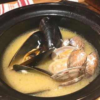 ムール貝とあさりの白ワイン蒸し(Shrimp Dining EBIZO 北千住)