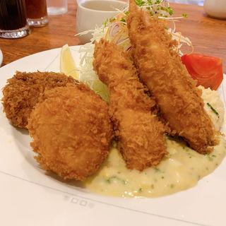 ミックスフライ  (スープ・ライス付き)(レストラン・サカキ (RESTAURANT SAKAKI))