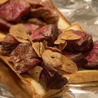 ロースステーキとフィレステーキ(やきやき三輪 堀江店)