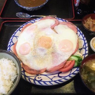 ハムエッグ定食とカレールー