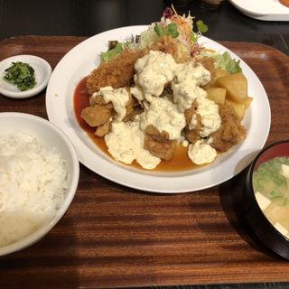 チキン南蛮定食(5個)(ボンバーキッチン )