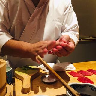 塩釜産鮪赤身(鮨 料理 一高)