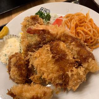 ミックスフライ定食(東都グリル )