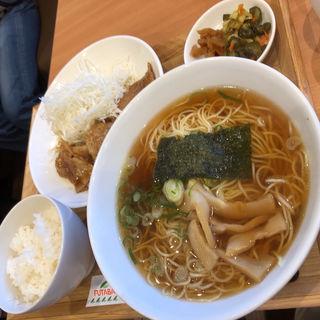 特製生姜焼きラーメンセット(東海パーキングエリア(下り線) レストラン・スナックコーナー )