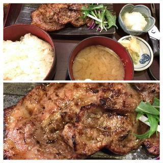 豚肩ロースみそ漬焼き定食(白銀屋 西八の分店 (シロガネヤ))