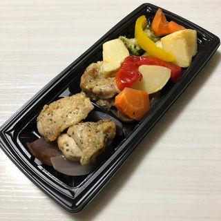 バジルチキンと緑黄色野菜(和saiの国 エキマルシェ新大阪店 (ワサイノクニ))