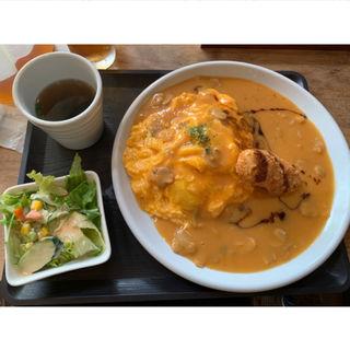 デミグラスオムライスと煮込み牛バラ肉(彼氏の手料理ダイニング SORALI)