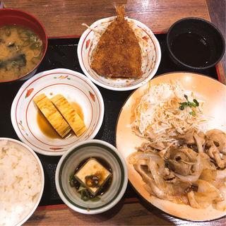 豚生姜焼き定食(アジフライ,出し巻トッピング)(街かど屋 八尾青山町店 )