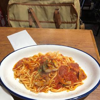 渡り蟹のトマトソースタリオリーニ