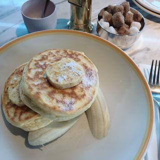 ■リコッタパンケーキw/フレッシュバナナ、ハニーコームバター(bills 銀座)