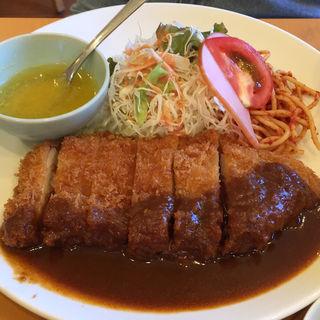 チキンカツ(洋食Cucina (ヨウショククッチーナ【旧店名】きまぐれCucina))