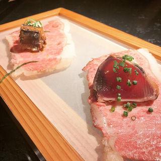鰹のたたきと秋刀魚の生姜煮のサーロイン肉寿司