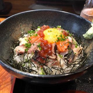 海鮮ユッケ丼(北海 ひがし)