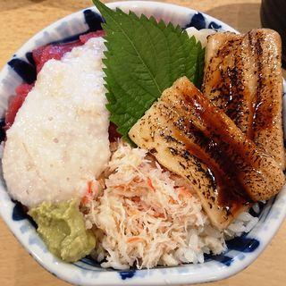 どどんが丼(具だくさん)(北辰鮨 仙台駅1階店 (ほくしんずし))