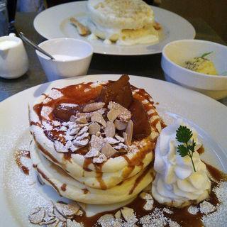 焼きりんごとキャラメル(レインボーパンケーキ (RAINBOW PANCAKE))