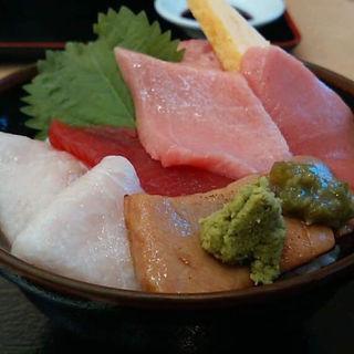 まぐろの五色丼(仙令鮨 三井アウトレットパーク仙台港店)