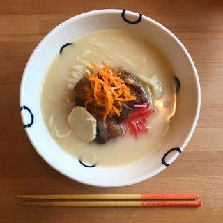ソーキそば(島豆腐と、おそば。真打田仲そば)
