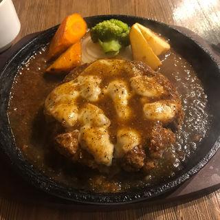 ハンバーグ+チーズトッピング(札幌牛亭 南池袋店 )