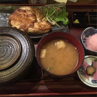 大山鶏の香味刺身定食(白銀屋 西八の分店 (シロガネヤ))