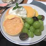 シャインマスカットのパンケーキ(FLIPPER'S 横浜元町店 フリッパーズ)