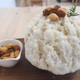 ゴルゴンゾーラメープルナッツ(かき氷専門店SANGO)