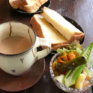 モーニングセット(バタートースト)(慈雨 (ジウ))