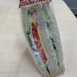 ライ麦食パン野菜サンド(石井屋 (いしいや))