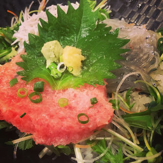 三色丼(魚華)
