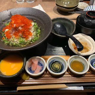 本マグロ贅沢丼(日本酒原価酒蔵 新宿総本店)